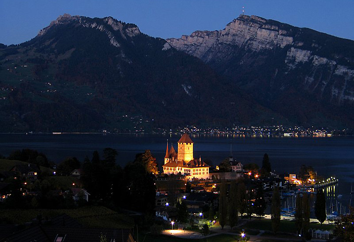 Castle of Spiez / Merligen - Niederhorn / Photo: Fritz Bieri