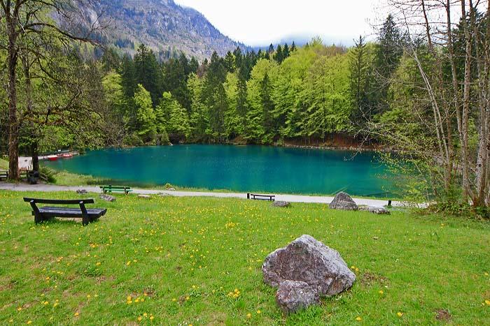 blausee schweiz mit forellenzucht camping